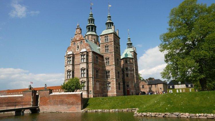 قلعة روزنبرج في كوبنهاجن الدنمارك