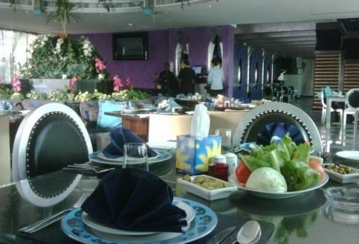 مطعم فيروز جاردن في الرياض