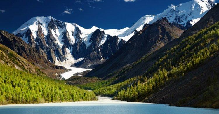 جبال التاي في روسيا
