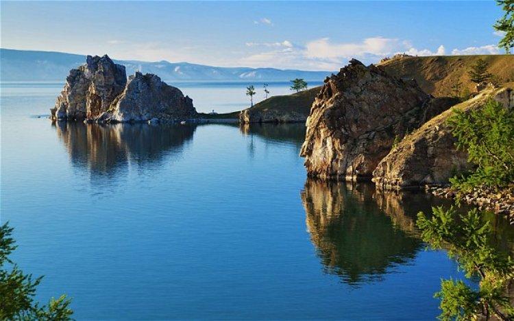بحيرة بايكال في روسيا