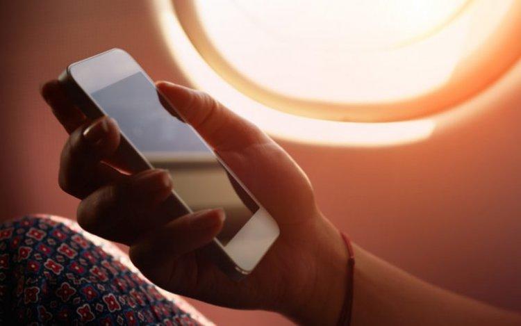 اتصالات الإمارات تقدم خدمة استخدام الموبايل من الطائرة