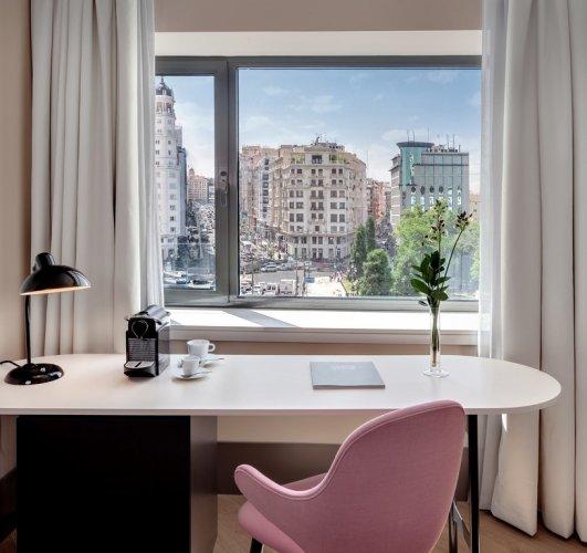 اطلالة فندق بارسيلو توري مدريد