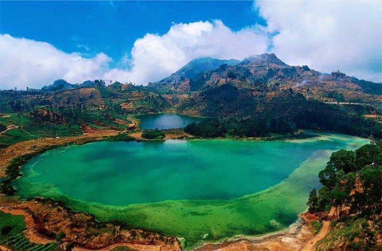 بحيرة الألوان في بونشاك