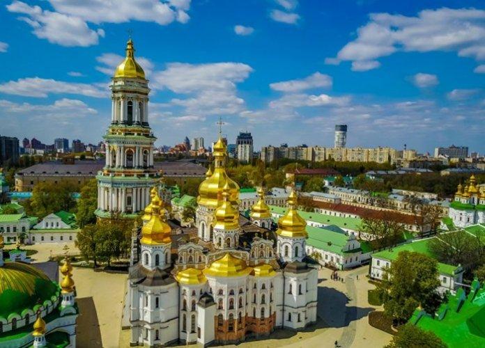 مجمع لافرا في كييف أوكرانيا