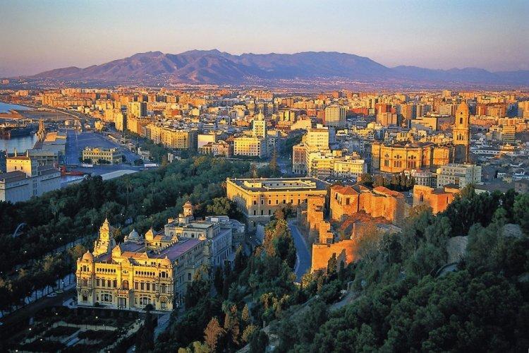 مدينة ملقا في إسبانيا