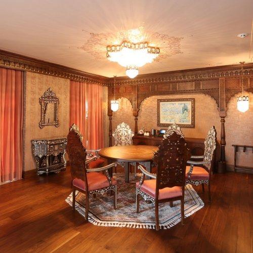 Sultan Suite Dining room