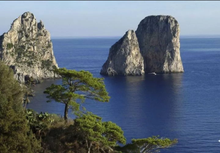 صخور فاراليوني