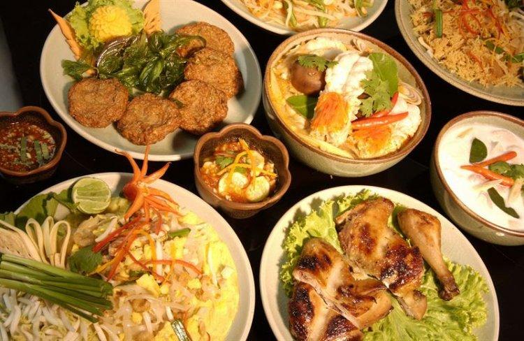 عالم المأكولات التايلاندية
