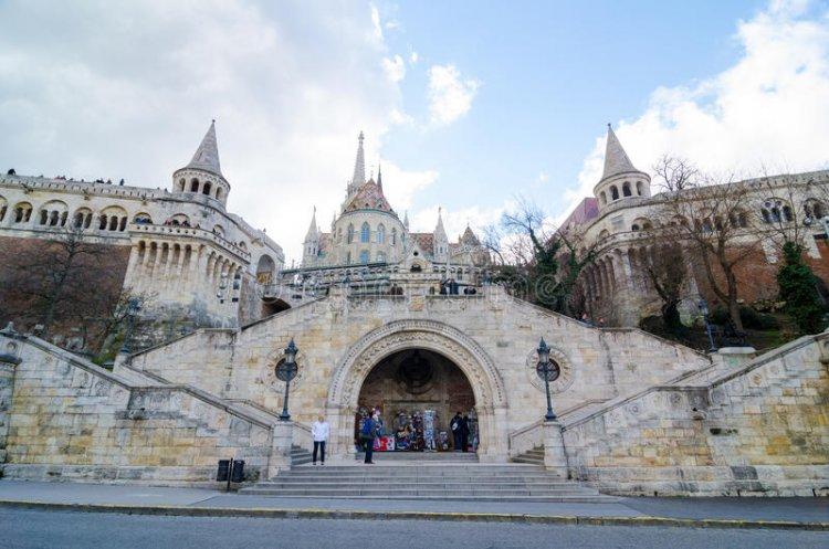 قلعة التل في تاونزفيل