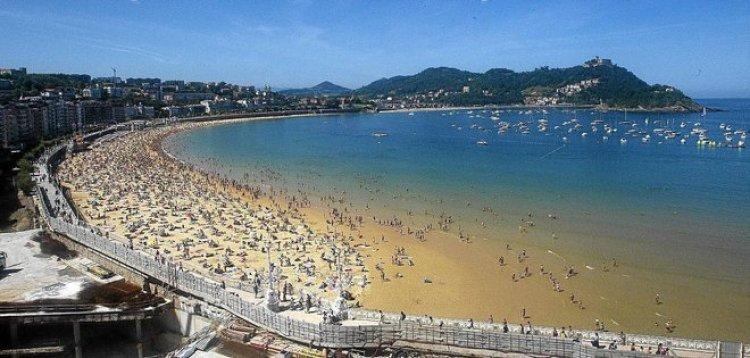 شاطئ Playa de la Concha