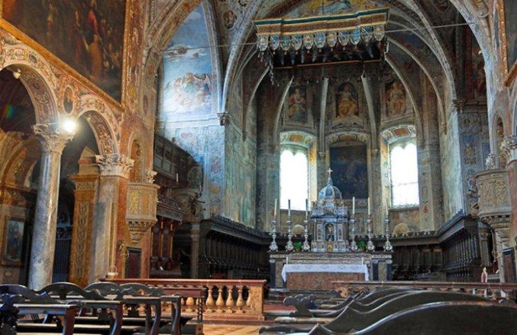 كنيسة القديس بطرس في بيروجيا الإيطالية