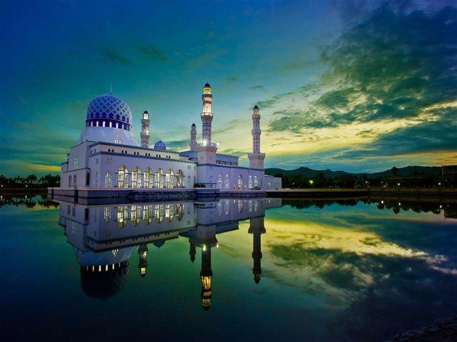 مسجد كوتا كينا بالو ماليزيا