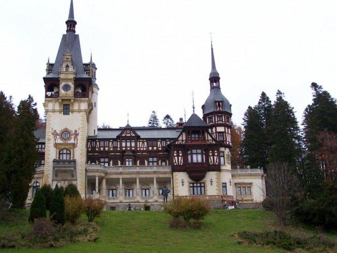 حديقة بيليس في مدينة سينايا رومانيا