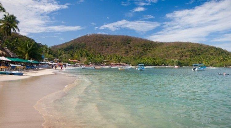شاطئ لاس جاتاس في المكسيك