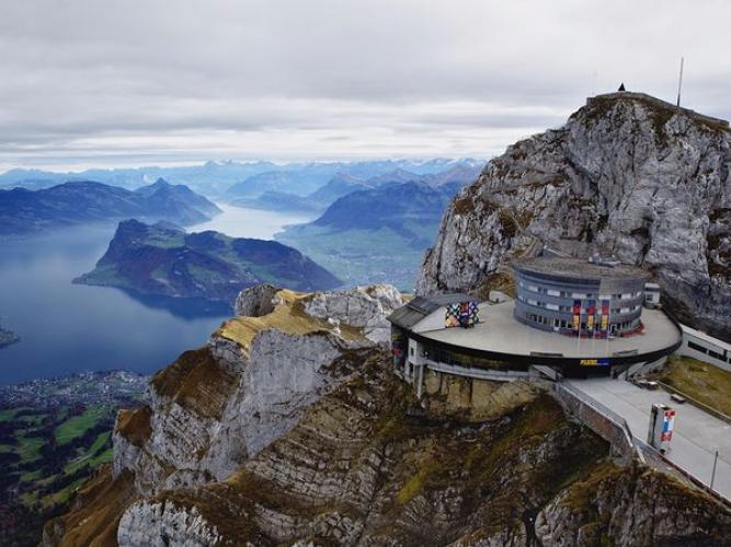 جبل بيلاتوس في لوزيرن سويسرا