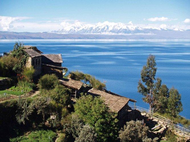 بحيرة تيتيكاكافي بيرو