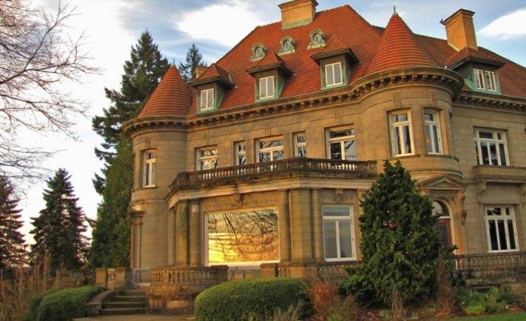 قصر بيتوك في مدينة بورتلاند الأمريكية