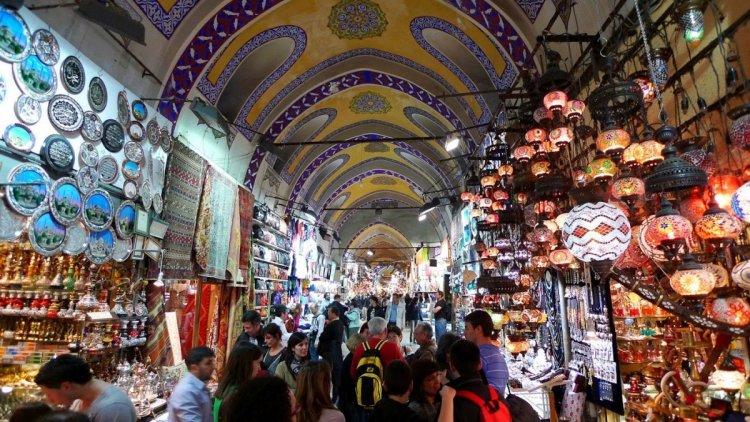 بازار مرمريس في مدينة مرمريس التركية