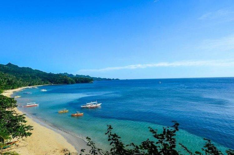 شاطىء بونتا بالو في جزيرة نيجروس الفلبينية
