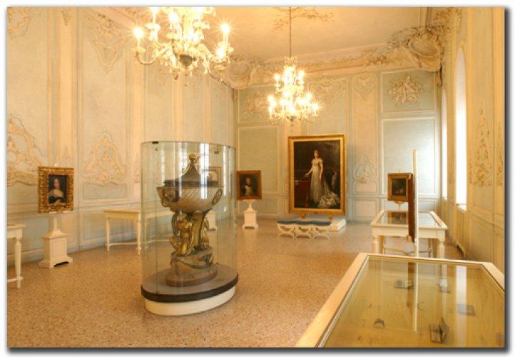 متحف لومباردي في بارما الإيطالية