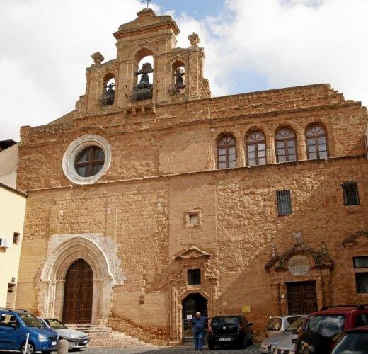 دير سانتو سبيريتو في أغريجنتو الإيطالية