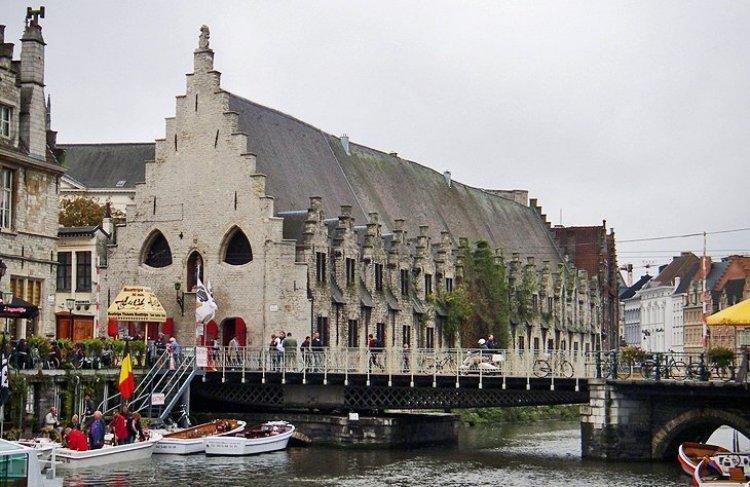 السوق القديم في غنت بلجيكا