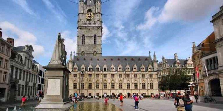مبنى بلفري في غنت بلجيكا