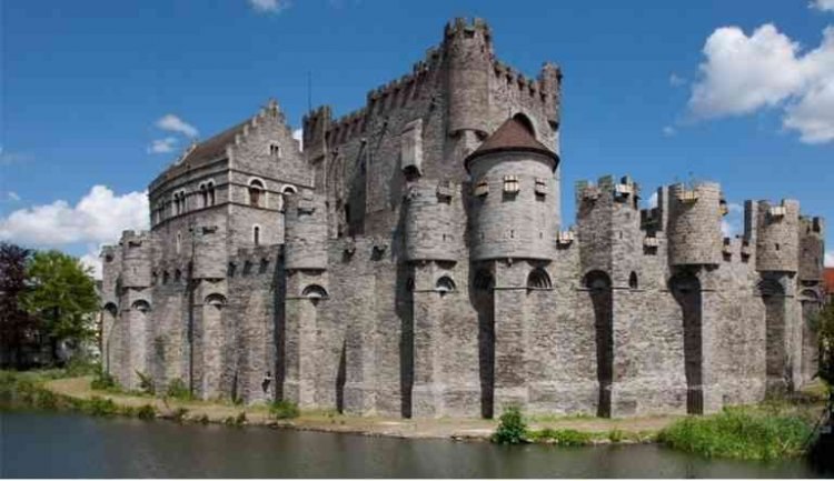 قلعة غرافنستين في غنت بلجيكا
