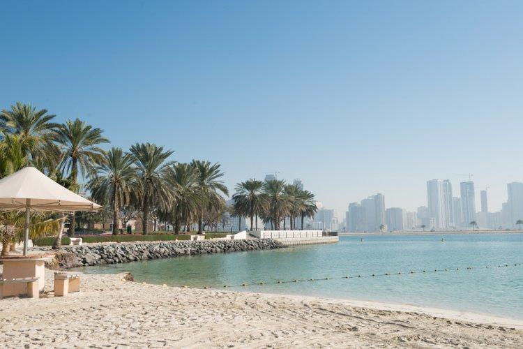 شاطئ المزر في دبي