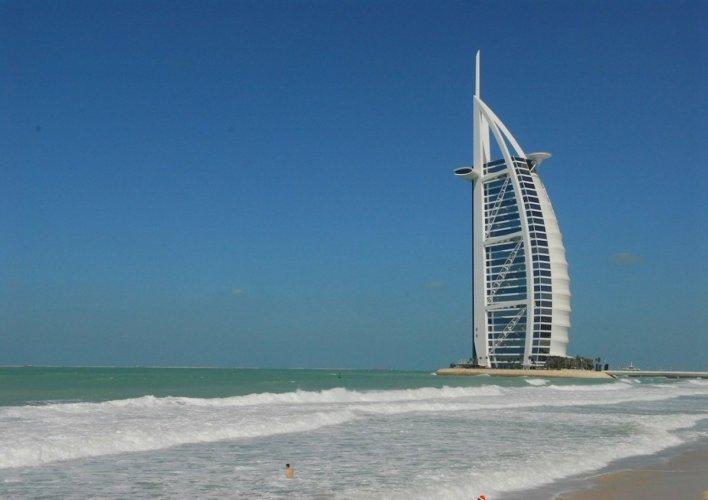 شاطئ صن سيت في دبي