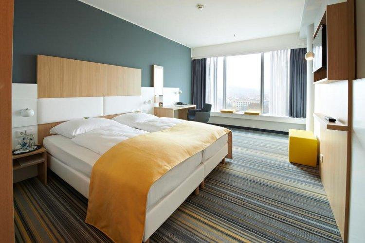 فندق GHOTEL hotel & living Würzburg