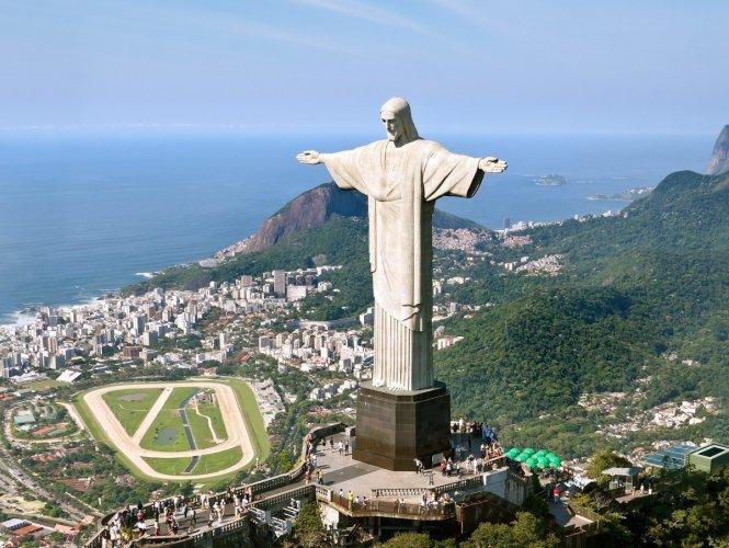 تمثال المسيح الفادي