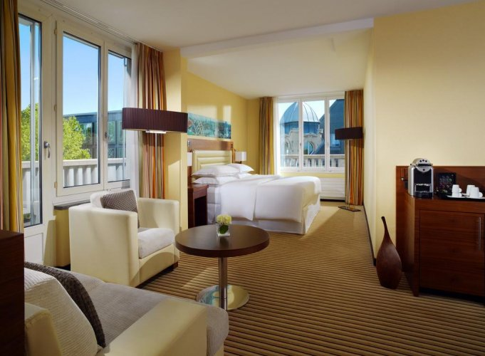 فندق شيراتون زيورخ نويس شلوس