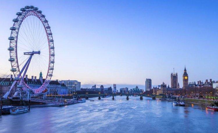 نهر التايمز في لندن