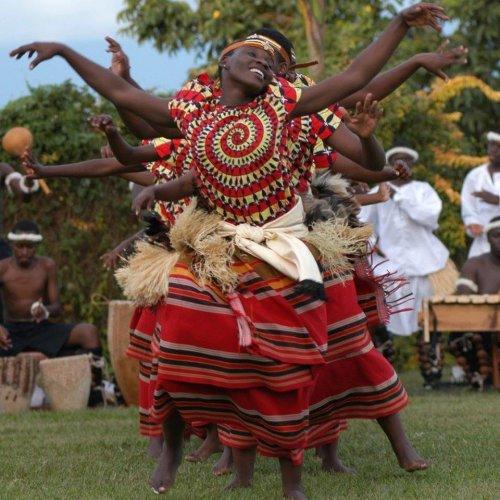 الرقص في أوغندا