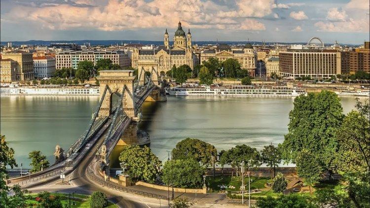 دليل السياحة في بودابست