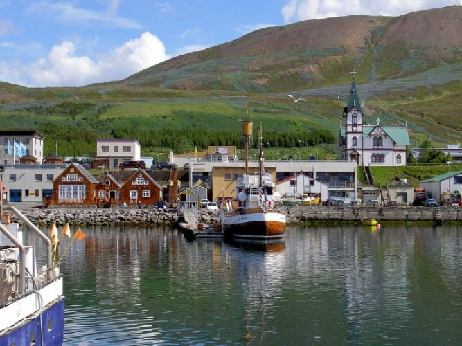 قرية هوسافيك في ايسلندا