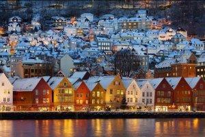 صورة بانورامية للبيوت في النرويج