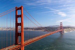 جسر البوابة الذهبية بولاية كاليفورنيا