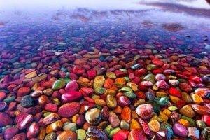 صخور بحيرة ماكدونالد لوج