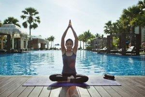 ممارسة رياضة اليوغا في تايلاند