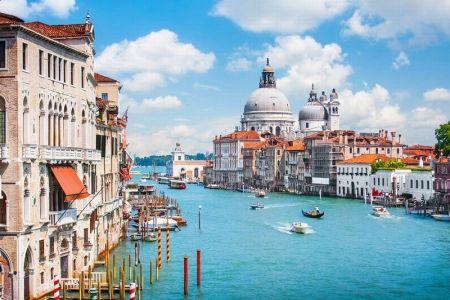 """جرز البندقية """"فينيسيا في ايطاليا"""
