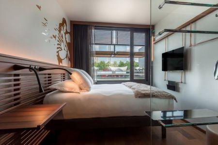 الفندق العائم الأول من نوعه في فرنسا