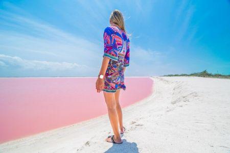 جزيرة وردية اللون في المكسيك