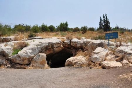 كهف السيد المسيح في الأردن