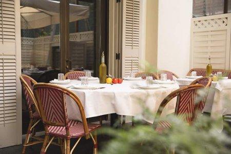 مطعم لا بيتيت ميزون