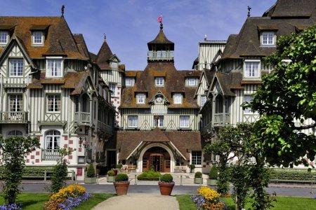 فندق Normandy Barrière