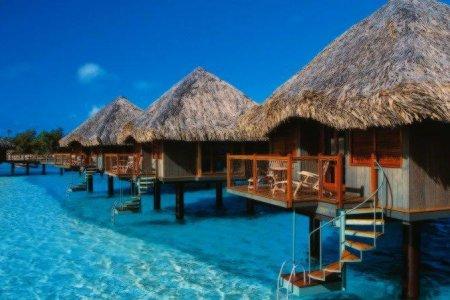 10 اماكن سياحية خلابة حول العالم