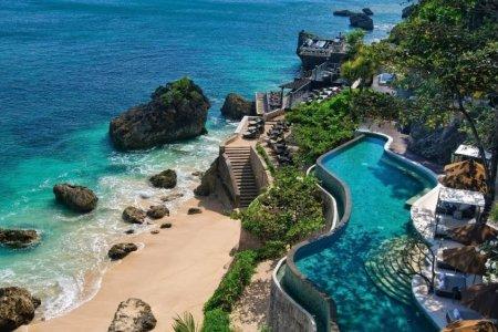 سحر الشواطئ في اندونيسيا