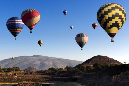 10 وجهات سياحية توفر رحلات بالمناطيد